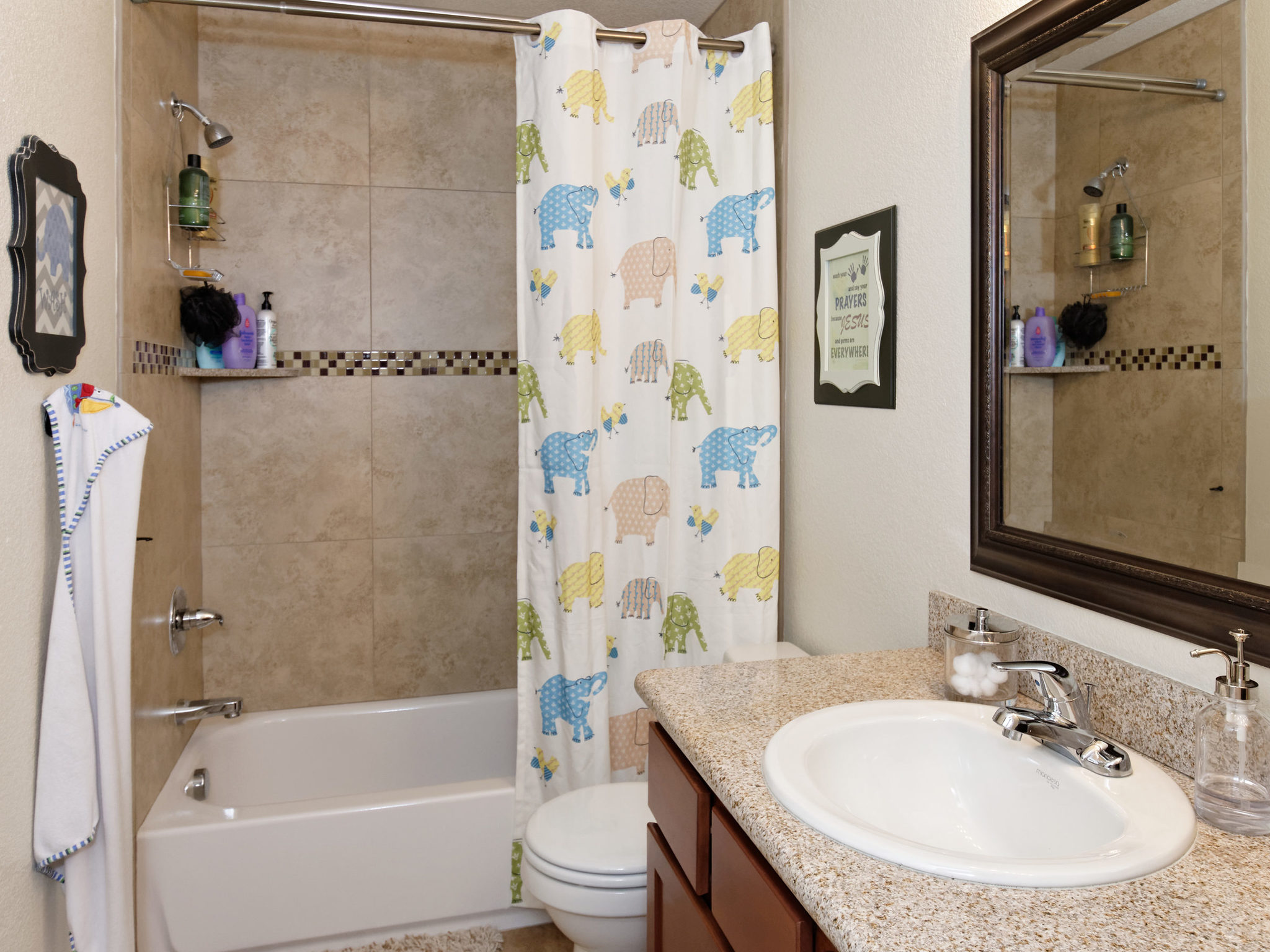 20389 E Powers Place-MLS_Size-029-21-Jack and Jill Bath-2048x1536-72dpi