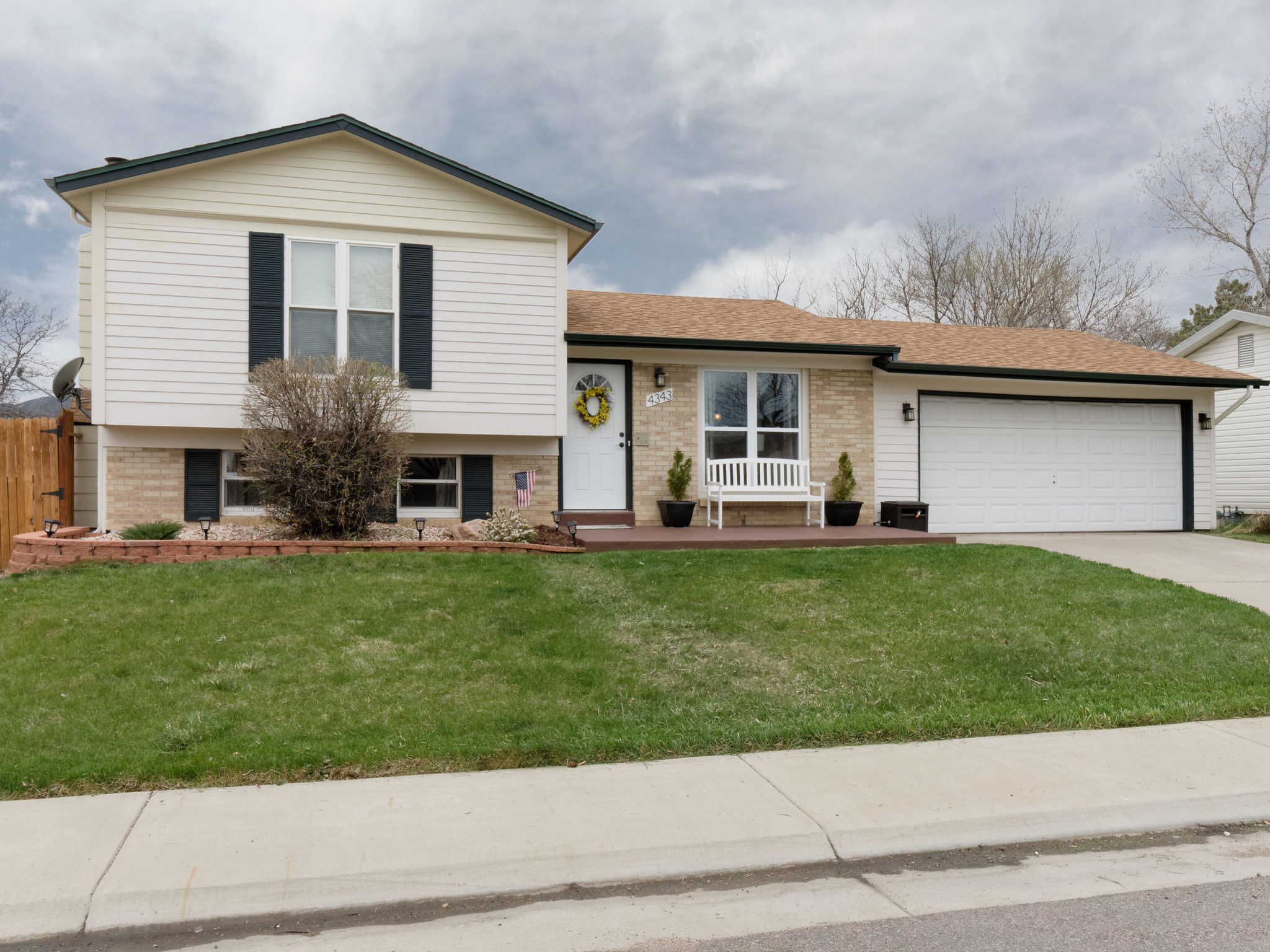 4343 S Yank St-MLS_Size-003-4-Welcome Home-2048x1536-72dpi