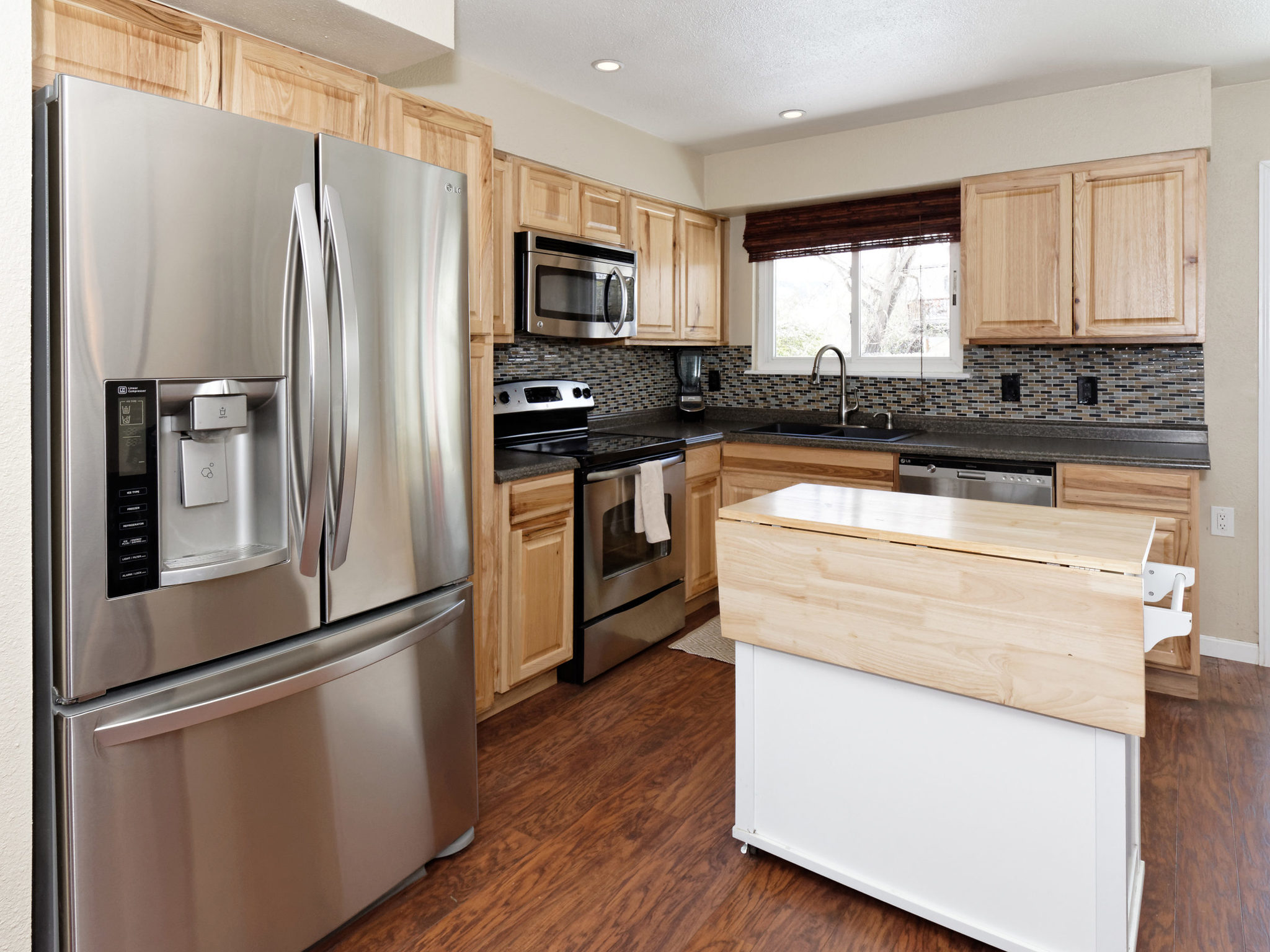 4343 S Yank St-MLS_Size-007-7-Kitchen-2048x1536-72dpi
