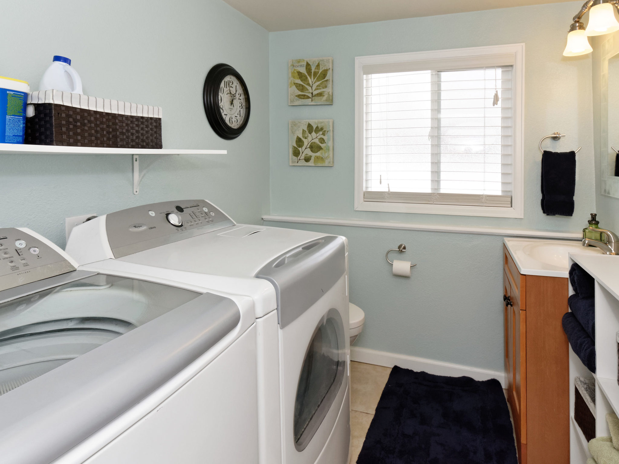 4343 S Yank St-MLS_Size-032-22-Lower Level Bath and Laundry-2048x1536-72dpi