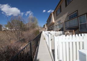 3 Bedrooms, House, Sold!, Welby Rd #201, 3 Bathrooms, Listing ID 9674451, Denver, Adams, Colorado, United States, 80229,