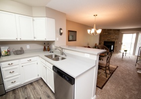 2 Bedrooms, Townhome, For Sale, W Coal Mine Ave #D, 1 Bathrooms, Listing ID 9674470, Littleton, Jefferson, Colorado, United States, 80123,