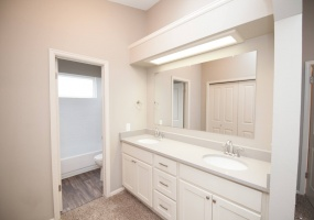 4 Bedrooms, House, For Sale, E Wagontrail Dr, 3 Bathrooms, Listing ID 9674486, Aurora, Arapahoe, Colorado, United States, 80015,