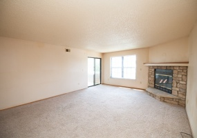 2 Bedrooms, Townhome, For Sale, W Cross Dr #201, 2 Bathrooms, Listing ID 9674497, Littleton, Jefferson, Colorado, United States, 80127,