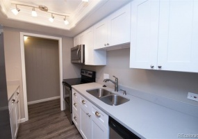 2 Bedrooms, Townhome, Under Contract, W 25th Ave #80, 1 Bathrooms, Listing ID 9674539, Lakewood, Jefferson, Colorado, United States, 80215,