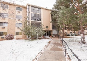 2 Bedrooms, Townhome, Under Contract, E Bates Ave #305, 2 Bathrooms, Listing ID 9674559, Aurora, Arapahoe, Colorado, United States, 80014,