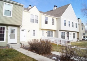 2 Bedrooms, Townhome, Sold!, W Dartmouth Pl, 3 Bathrooms, Listing ID 9674566, Lakewood, Jefferson, Colorado, United States, 80227,