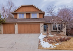 4 Bedrooms, House, Under Contract, S Olathe Ln, 3 Bathrooms, Listing ID 9674581, Centennial, Arapahoe, Colorado, United States, 80015,